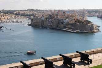 The saluting battery-Upper Barrakka Gardens-La Valletta